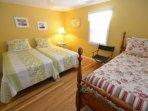2nd bedroom, 3 twin beds