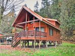 Built in a log cabin style, this cabin sleeps 7.