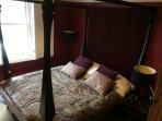 Bedroom 4 - Four poster luxury