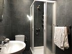 Bay View Villa - Luxury En-suite Shower Room