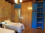 hab.azul, dos camas de 0,90mts, tv, baño privado