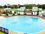 Childrens paddling pool and play area just 5 mins walk away