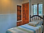 Additional guests will dream easily in one of the 2 twin beds.