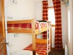 Chambre cabine avec 2 lits superposés