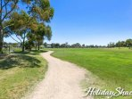 002_Holiday-Shacks-Fairway-Views_L-5d1bf5e8-bc39-4821-93c0-574ac36c052c.jpg