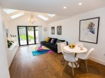 Luxury New 2/3 Double Bed Contemporary House Richmond/Teddington/London/TW12