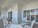 Dine al fresco on this screened-in lanai!