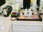 19 - Kettle, Tea, Coffee & Wine Glasses
