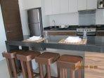 Breakfast Bar; Full kitchen