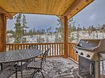 Fire up the gas grill for a cookout with a view.