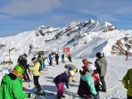 The skiing resort of Hasliberg has 60 km of ski trails, up to 2400 meters high