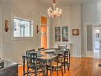 Enjoy hearty home-cooked meals with the family around the 6-person dining table.