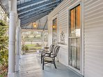 Sit back and enjoy easy living from this vacation rental house in Chattanooga!