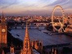 Iconic London scenes nearby