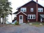 Starboard View Cottage has 3 bedrooms, 2 baths and sleeps 6