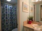 Sunchase 111 - Bathroom - shower/tub combo