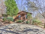 There's no better choice for your upcoming Smoky Mountain retreat than this cozy vacation rental studio cabin...