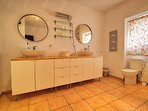 Ensuite bathroom master Bouganvilla