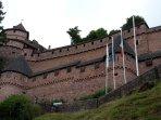 Le château du haut koenigsbourg très bien entretenu avec des visites à thèmes.
