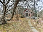 Couples will love retreating to the private, separate cottage at the end of each day.