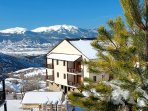 Located in the heart of the Regional Natural Park of the Catalan Pyrenees, this resort attracts skiers and snowboarders...