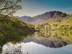 Lakeland Lodge: Lake District National Park UNESCO World Heritage Designated Site In Summer.