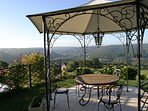 Le Paradis au Peyruzel - panoramic views over the Ceou Valley and peace and tranquillity.