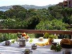 Villetta Ginestra, La Maddalena, Villaggio Piras Terrazzo attrezzato per mangiare e rilassarsi