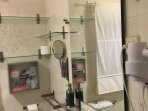 Baño - Secador, Espejos y Botiquín