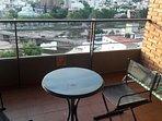 Balcón con vistas panorámicas para el desayuno