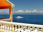 Uninterrupted sea views from all the rooms and the terraces