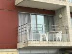 balcon avec vue sur le port