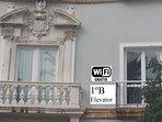 Monumental fachada del Balcon de los 2 dormitorios