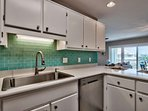 You will enjoy cooking your meals in this beautifully upgraded kitchen