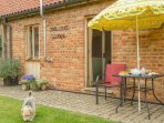 The Cart Lodge and its sunny courtyard - ideal for BBQs and a spot of sun-bathing