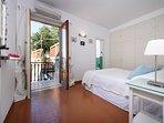 Limone - En suite bedroom
