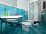 Limone -  first bathrooms with showers