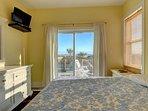 Queen bedroom- Ocean front