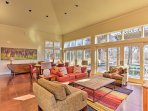 Large windows allow the countryside setting of the outdoors come inside!