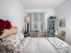 By the Lachine Canal. 20 minutes to downtown Montreal & 15 min to Dorval Airport