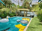 Heated Pool. 3ft - 6ft Depth with Seating and Tiki Hut. 15ft x 27ft Swimming Area