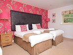 Double bedroom with en-suite (can be made into a twin upon request)