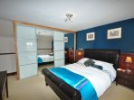 Spacious king-size bedroom with en-suite