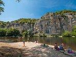 baignade et canoe sur la Dordogne à Gluges, à 30 m