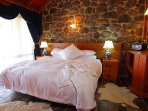 Tuki Stone cottages - King Bed