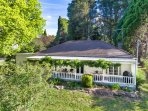 Redwood Cottage - Burradoo getaway, Southern Highlands - Pay for 2,Stay for 3 +