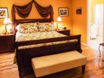 PROVENCE BEDROOM - QUEEN BED - ENSUITE BATH