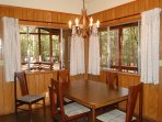 Dining area seating for 5