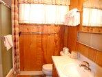 Full Bathroom (tub/shower combo)