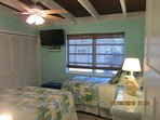 Queen and twin in guest bedroom with 32 inch TV/DVD-Ceiling fan- New mattresses - Beautiful Bedding!